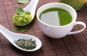 چای سبز از بین برنده جوش صورت