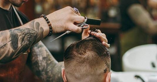 آرایشگر حرفه ای چه کار میکند ؟