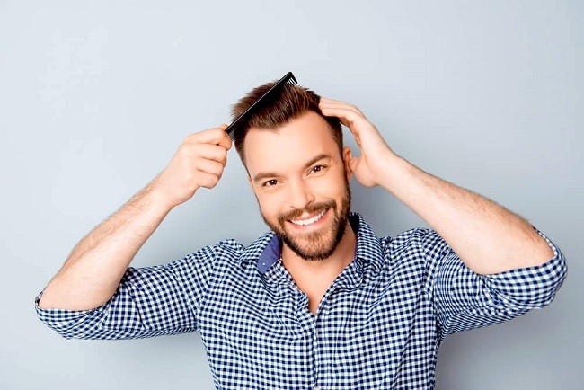 شانه کردن بیش از حد و مکرر مو