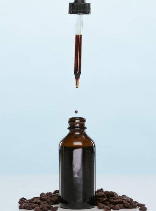 سرم کافئین برای درمان سیاهی دور چشم